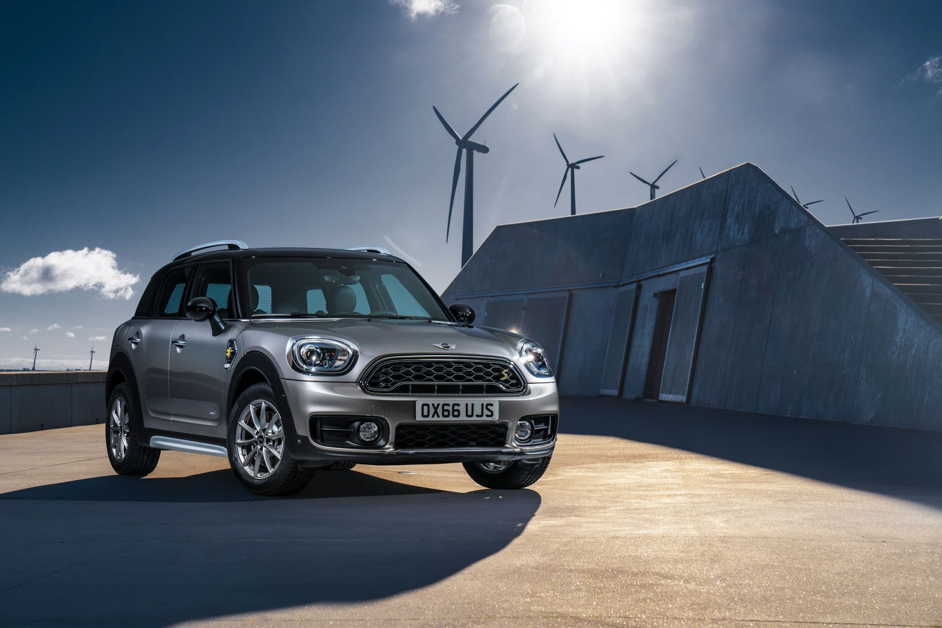 New-MINI-Cooper-S-E-Countryman-ALL4-plug-in-hybrid-14