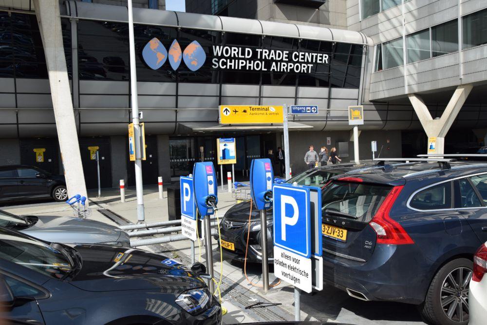 evbox schipol airport electric car charging