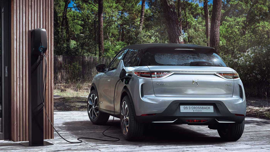 ds3-crossback-electric-car